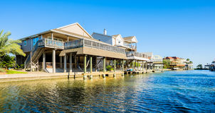 Free Waterfront Homes Stock Photography - 40672832