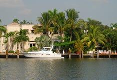 Waterfront mansion Royalty Free Stock Photos