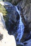 Waterfull i berg i den Tena dalen, Pyrenees Panticosa Arkivbilder