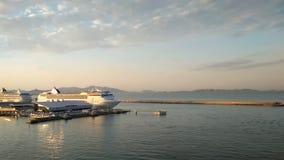 Watergebied van overzeese cruisehaven Marseille, Frankrijk stock videobeelden
