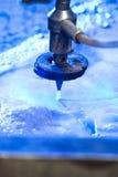 waterjet cuttingdetaljmaskin Arkivbild