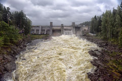 Waterkrachtcentrale in Imatra stock afbeelding