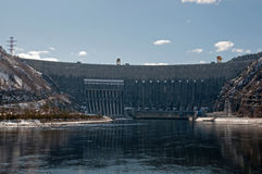 Waterkrachtcentrale sayano-Shushenskaya. Stock Fotografie
