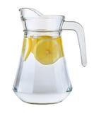 Waterkruik water met citroenplakken Royalty-vrije Stock Afbeeldingen