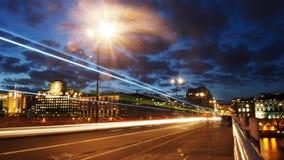 Waterloo-Brückenverkehrs- und -lichtströme Stockbild