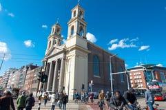 Waterlooplein Άμστερνταμ με την εκκλησία Mozes Aaron, οι Κάτω Χώρες Στοκ εικόνα με δικαίωμα ελεύθερης χρήσης