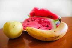 Watermeloen met banaan en appel Stock Foto