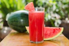 Watermeloen op betegelde vloer Royalty-vrije Stock Foto's