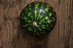 Watermeloen op de lijst Stock Foto's