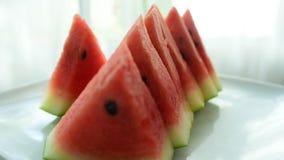 Watermeloen van de markt Eet goed stock video