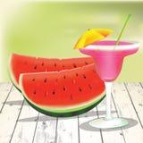 Watermeloenplakken met cocktail op de houten lijst Royalty-vrije Stock Foto's
