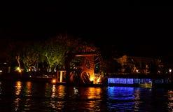 Watermill bij nacht in Malacca, Maleisië stock afbeelding