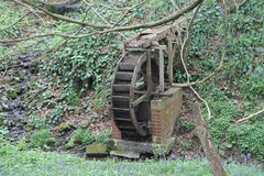 Watermill im Wald Stockbilder