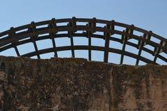 Watermill obok Romańskiego mosta w cordobie Fotografia Royalty Free