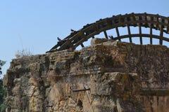 Watermill obok Romańskiego mosta w cordobie Obrazy Stock