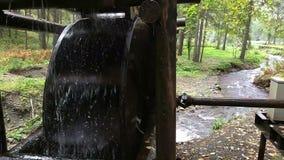 Watermill rústico con la rueda metrajes