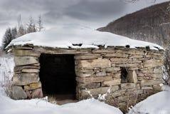 Watermill velho, abandonado, construído da pedra e da madeira fotos de stock royalty free