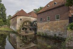 Watermolen Denekamp vid slotten Singraven arkivbild