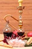 Waterpijp, wijn en snoepjes Royalty-vrije Stock Foto