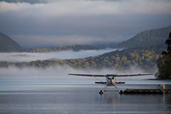 Waterplane klaar te gaan stock fotografie