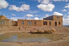 Waterpoel in Acoma Pueblo, New Mexico stock foto