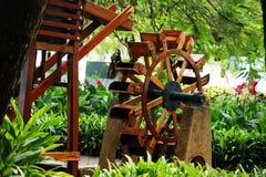 Waterrad in Tuinen van Malecon 2000 Stock Afbeelding