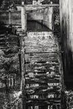 Waterrad van een Oude Zaagmolen Stock Afbeelding