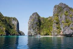 Waterscape El Nido, Bacuit fjärd, Palawan ö, Palawan landskap, Filippinerna Fotografering för Bildbyråer