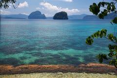 Waterscape El Nido, Bacuit fjärd, Palawan ö, Palawan landskap, Filippinerna Royaltyfri Fotografi