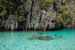 Waterscape El Nido, Bacuit fjärd, Palawan ö, Palawan landskap, Filippinerna Arkivbilder