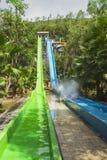 Waterslide coloré dans le parc aquatique de Vinpearl Photos libres de droits
