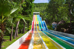 Waterslide colorido no parque da água de Vinpearl Imagem de Stock