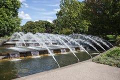 Waterstappen met fonteinen Stock Afbeelding