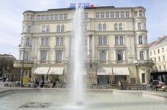 Waterstroom van fontein Stock Afbeelding