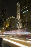 Watertower ställe på natten Royaltyfri Foto