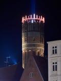 Watertower w Lueneburg, Niemcy, iluminuje electri Zdjęcie Royalty Free