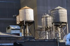 Watertowers i New York royaltyfri foto