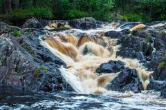 Waterval Ahvenkoski, Republiek Karelië, Rusland, Augustus 2016 Royalty-vrije Stock Foto's