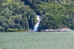 Waterval in Alaska Stock Afbeelding