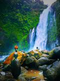 Waterval in banyumas centraal Java stock afbeelding