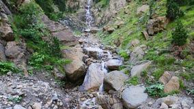 Waterval in bergen Royalty-vrije Stock Foto's