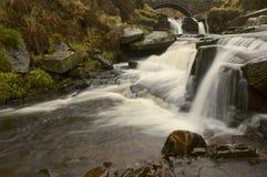 Waterval bij Drie Graafschappenhoofd royalty-vrije stock fotografie