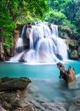 Waterval bij Kanchanaburi-Provincie, Thailand Royalty-vrije Stock Fotografie