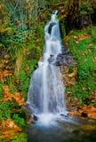 Waterval in de bergen Royalty-vrije Stock Afbeelding