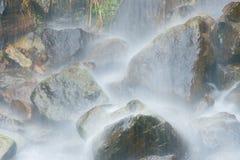 Waterval in de staken van Trueba Stock Foto