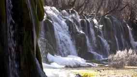 Waterval in de winter stock video