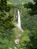 Waterval dichtbij Soti Khola Stock Fotografie