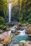 Waterval en bergrivier in tropisch bos Royalty-vrije Stock Foto's