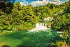 Waterval in het Nationale Park van Krka, Skradinski Buk, Kroatië, Europa Stock Afbeeldingen