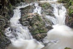 Waterval in Huay aan krabi Thailand Stock Afbeeldingen
